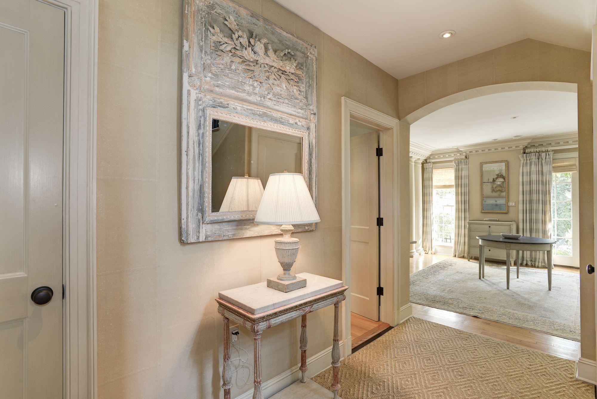 House Foyer Xl : O st nw washington dc