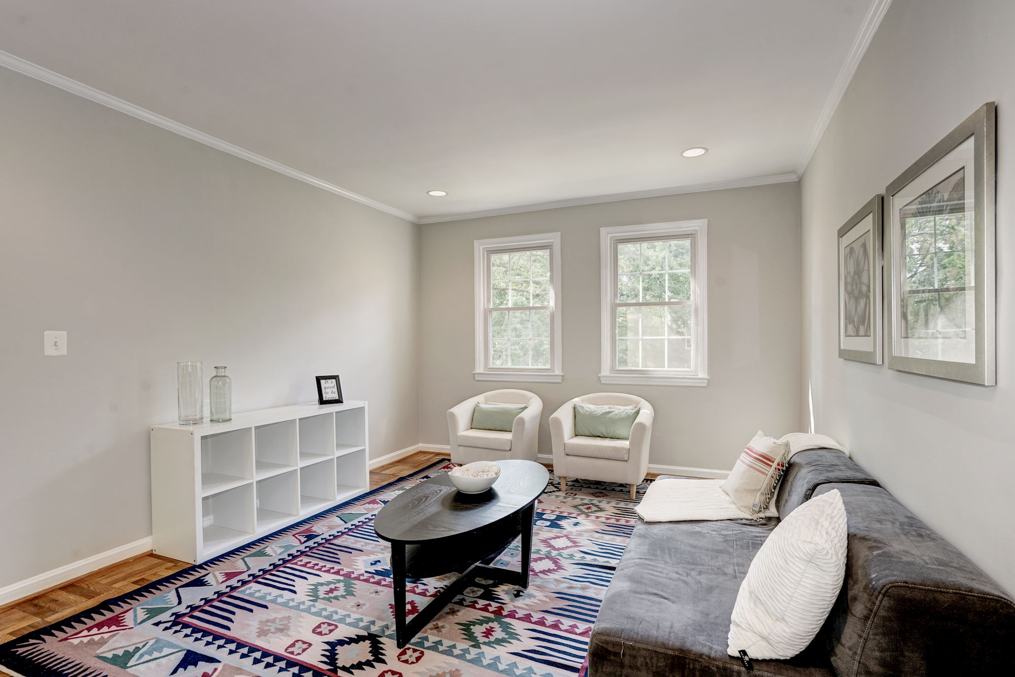 6501 potomac ave b1 alexandria va 22307 for Living room with 9 foot ceilings