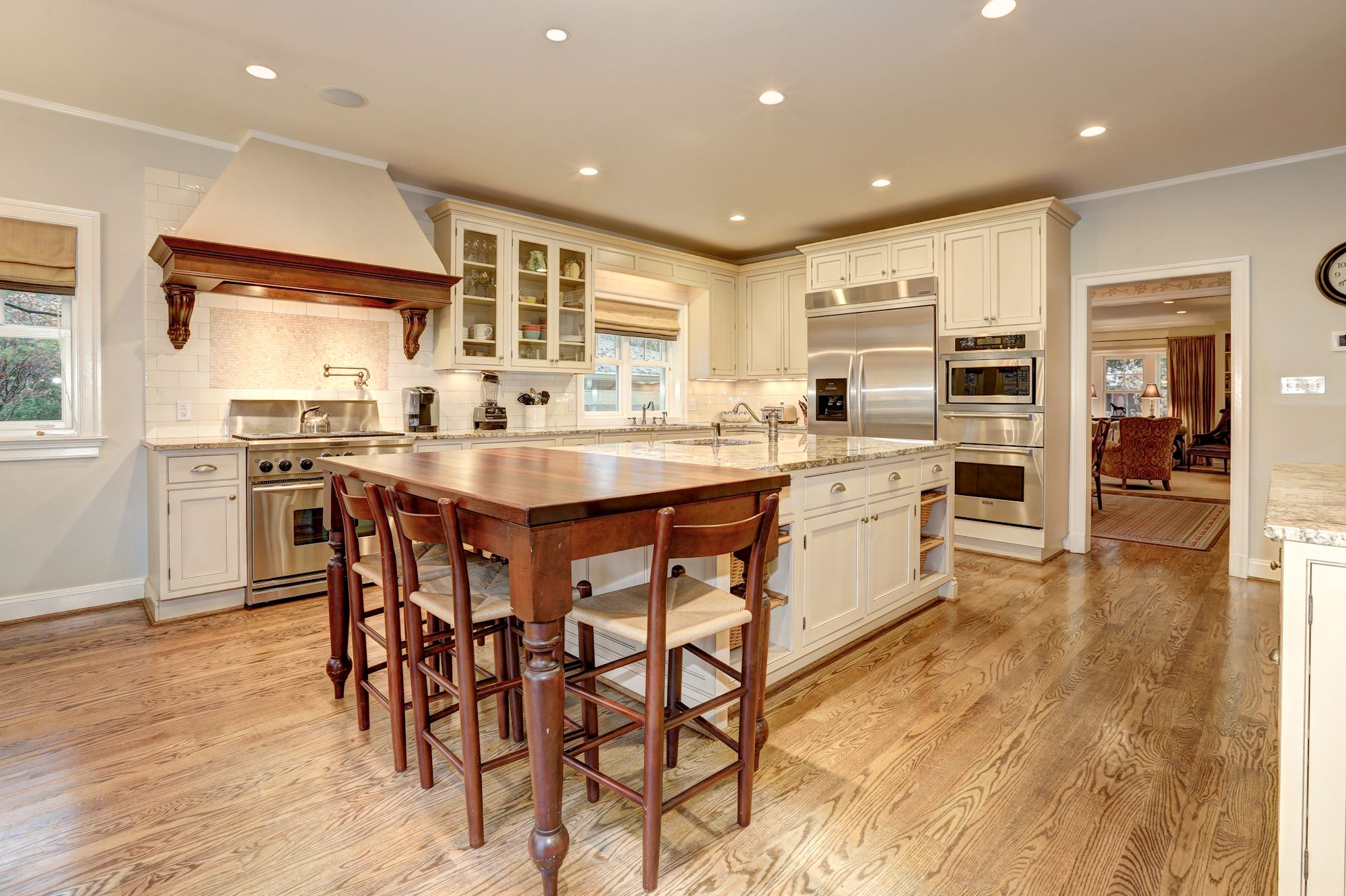 View more kitchens 187 - View More