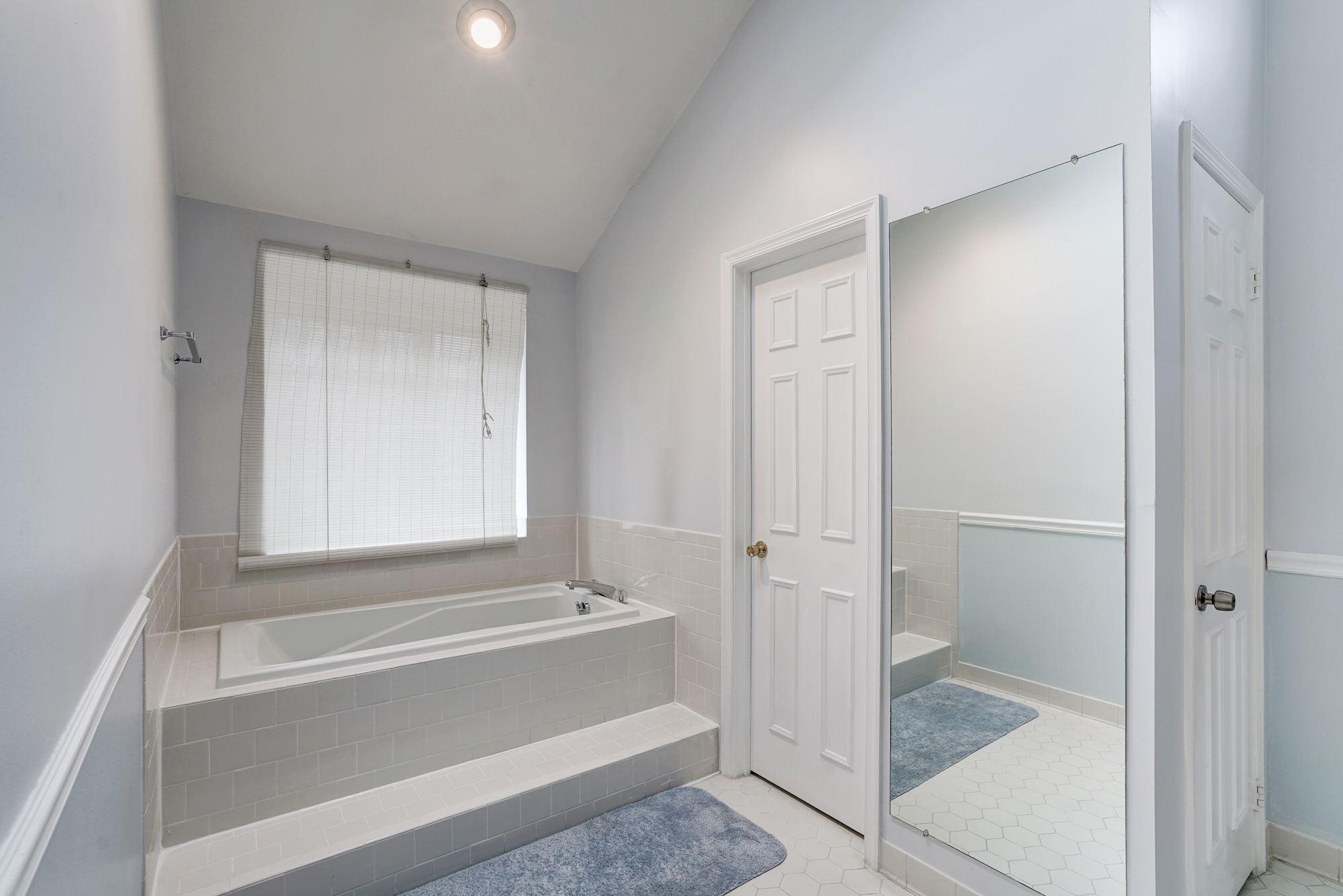 Bathroom Vanities Woodbridge 3480 Wainscott Pl S Woodbridge Va 22192