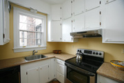Kitchen w. Granite and Stainless