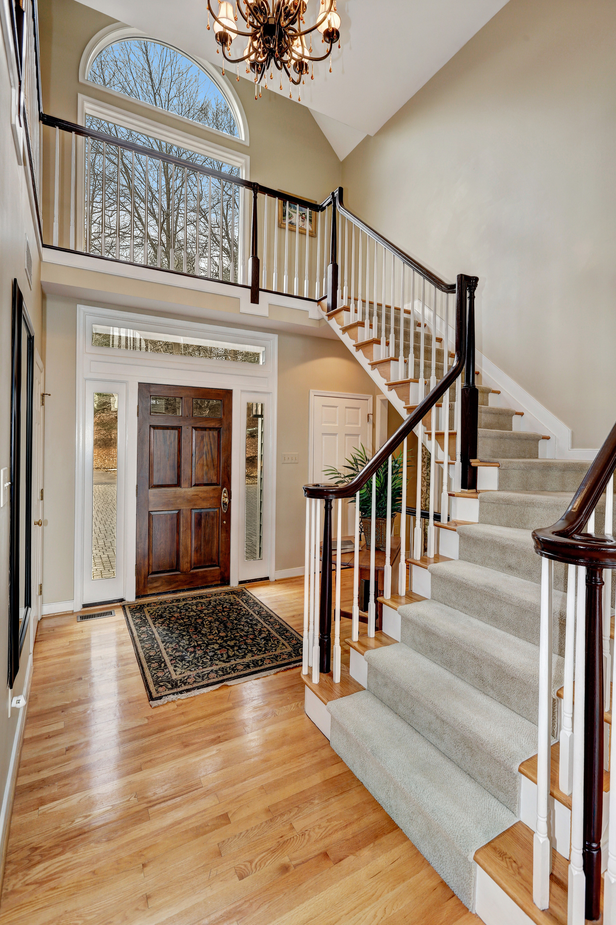 Grand Foyer Xl : Lakeside dr clarksville md